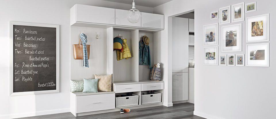 Mudroom storage entryway organization california closets for California closets puerto rico