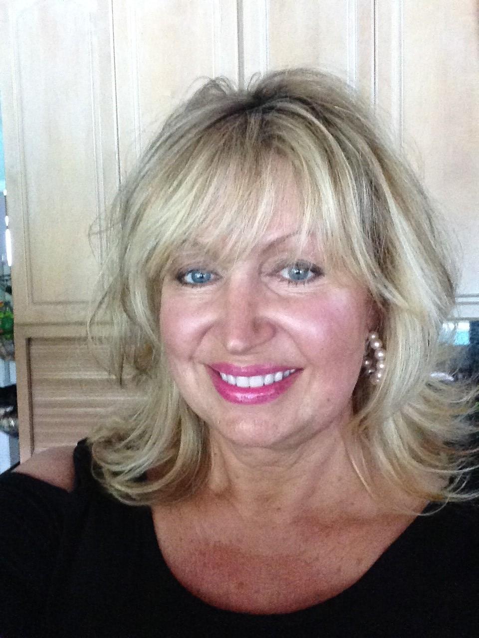 Helen Roselli, Design Consultant