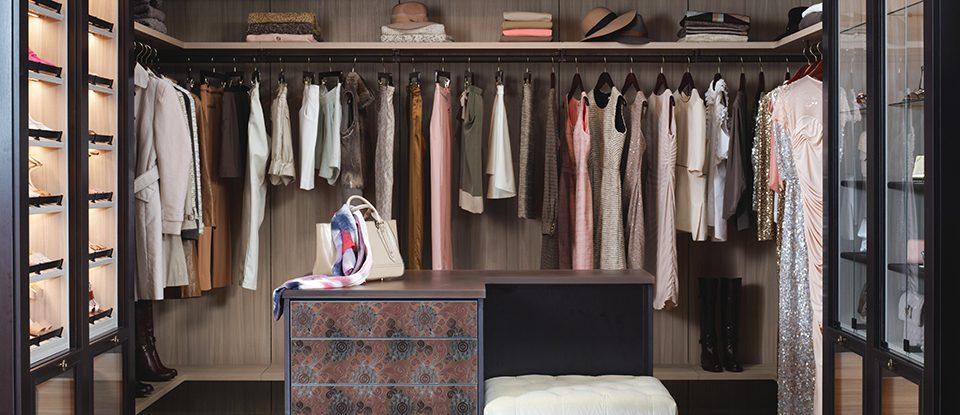 Tout est dans le pliage: un génie de l'organisation réinvente le tiroir à vêtements