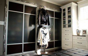 A Glamorous Black and White Dressing Room