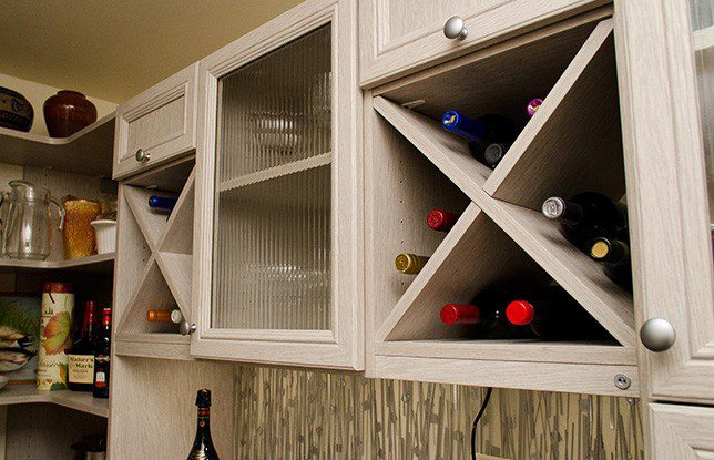 Una Alacena moderna y multifuncional para una casa recién remodelada