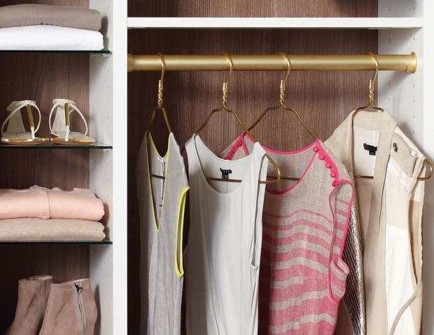 details-closet-accessories-round-pole-matte-brass