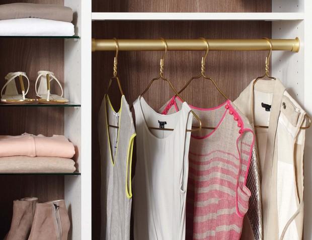 details-closet-accessories-round-pole-matte-brass