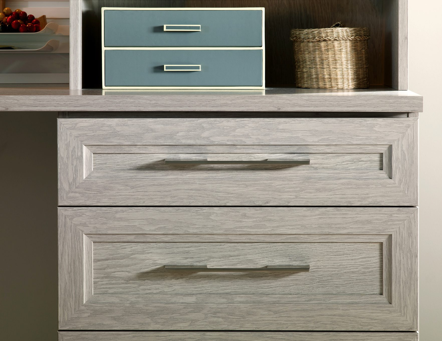 custom cabinet drawers and closet doors california closets. Black Bedroom Furniture Sets. Home Design Ideas