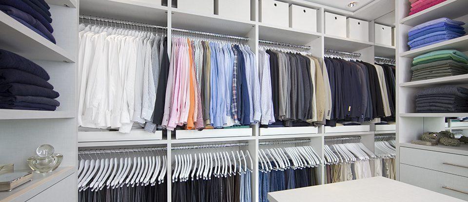 Cómo mostrar y organizar todo en su nuevo armario