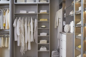 expert-advise-how-to-display-and-organize-everything-in-your-closet