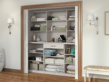 SIMPLE LINEN CLOSET
