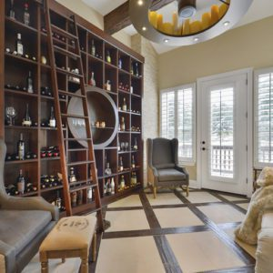 San Antonio Wine Bar - California Closets