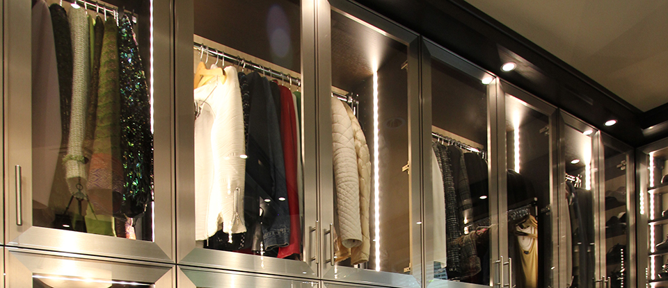 Directo a los detalles: El dominio de un vestidor personalizado