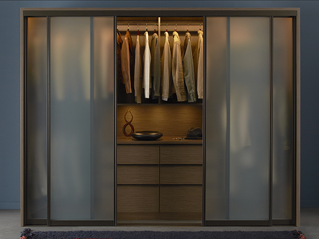 CALIFORNIA CLOSETS CONNECTICUT – HOW TO EASILY UTILIZE YOUR CLOSET SPACE WITH SWEATER FOLDING TECHNIQUES