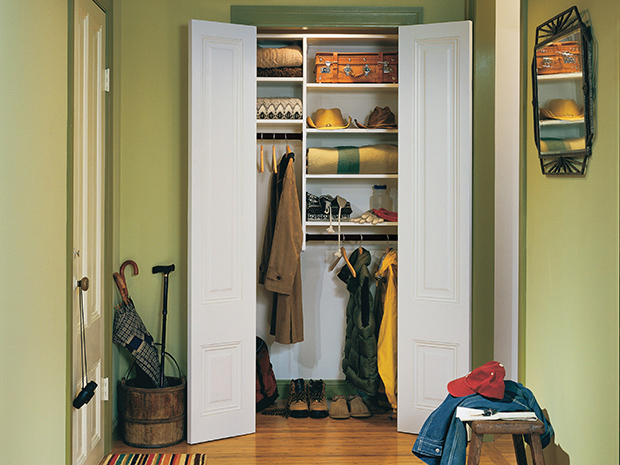 CALIFORNIA CLOSETS CHARLOTTE – MAKE THE MOST OF YOUR MUDROOM