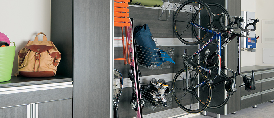 CALIFORNIA CLOSETS RALEIGH – STORAGE SOLUTIONS TO MAXIMIZE SPACE IN YOUR GARAGE